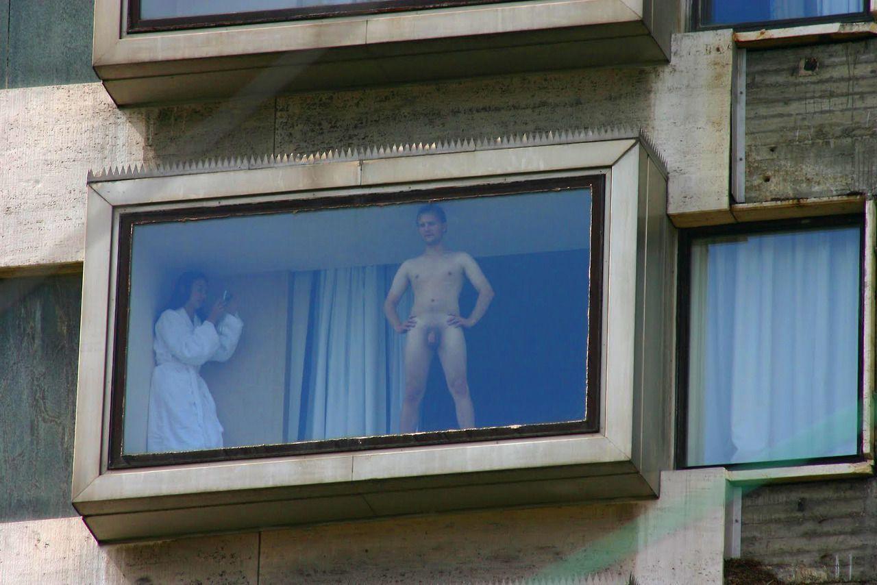 seks-v-chuzhom-okne